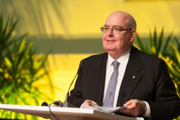 Botschafter David Ritchie am Rednerpult beim Australia Day Empfang 2015 in der Australischen Botschaft Berlin
