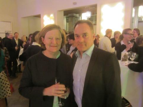 Graeme Mason steht neben Maryanne Redpath, der Leiterin der Berlinale-Sektion 'Generation' und Berlinale-Delegierte für Australien und Neuseeland