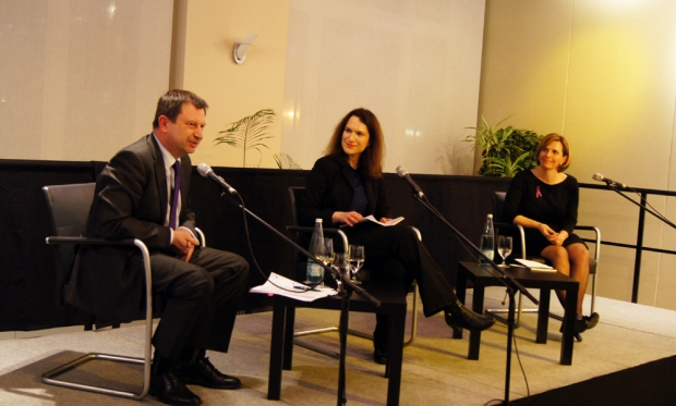 Foreign and Commonwealth Office Director for Multilateral Policy Paul Arkwright, Associate Fellow at the German Council on Foreign Relations (DGAP) Magdalena Kirchner and former Australian Ambassador for Women and Girls Penny Williams sitting on the panel