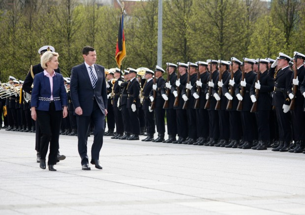 German Defence Minister Ursula Von der Leyen and Australian Defence Minister Andrews passing by the guard battalion at the Ministry of Defence