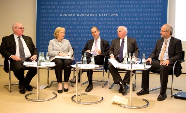 Ambassador David Ritchie, Professor Dr Maria Böhmer, Dr Gerhard Wahlers, Alan Stockdale und Volkmar Klein